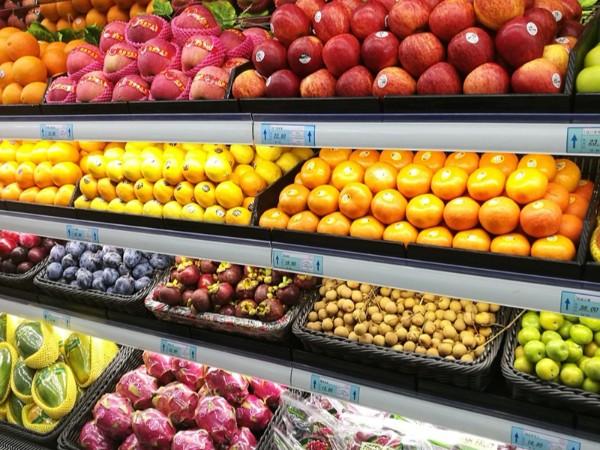 为什么大街上的水果店越来越多?难道做水果生意真的很赚钱?