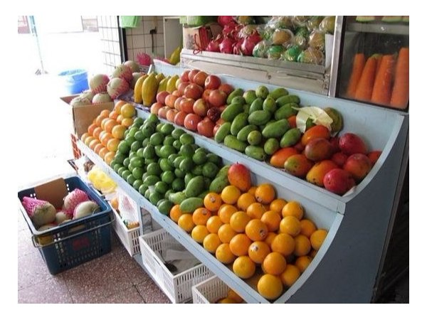不同年纪的水果店老板都是怎么做水果的?